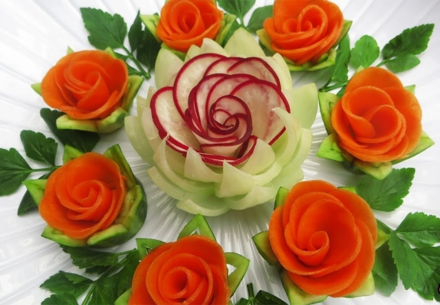 Attractive Garnish of Radish & Carrot Rose Flowers with Onion & Cilantro Designs