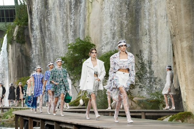 Spring-Summer 2018 Ready-to-Wear CHANEL Show