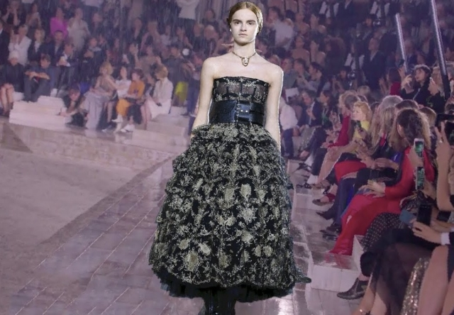 Christian Dior | Cruise 2019 Full Fashion Show | Exclusive