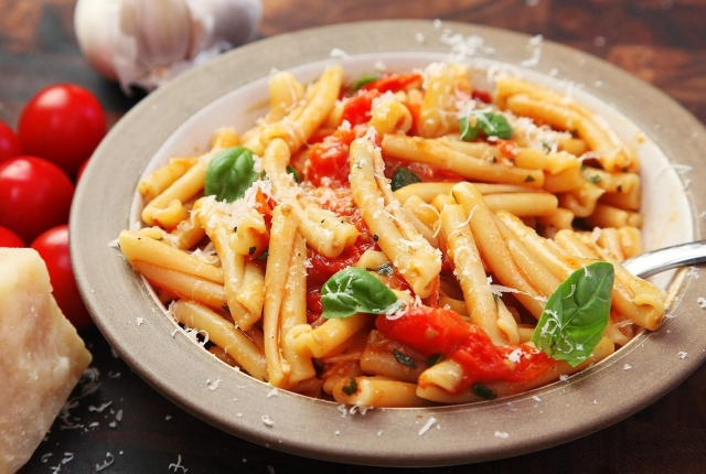 10 Creamy & Satisfying Pasta Dishes