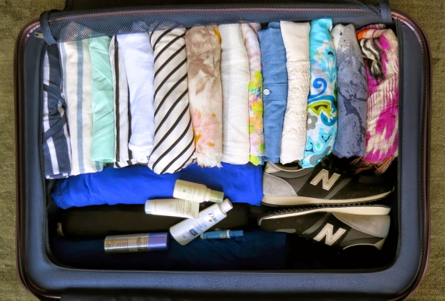 6 AMAZINGLY Compact Ways to Fold Clothes for Packing