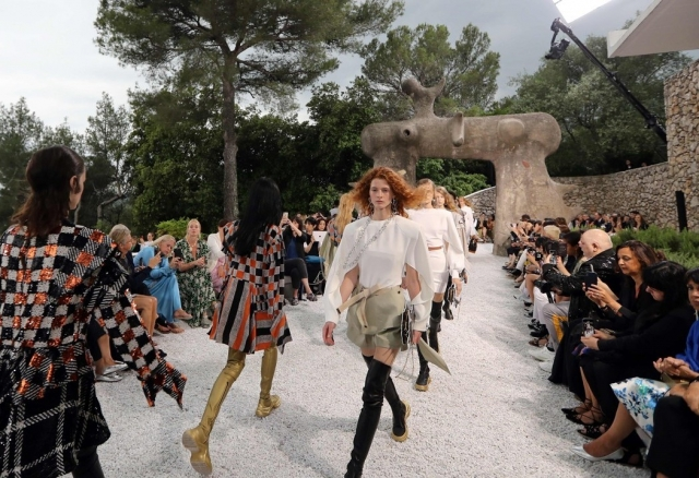 Louis Vuitton Cruise 2019 Show by Nicolas Ghesquière